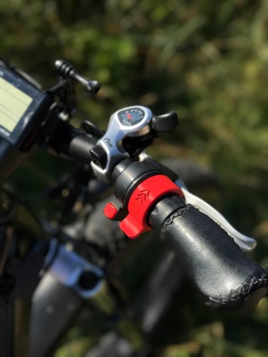 Throttle E-bikes