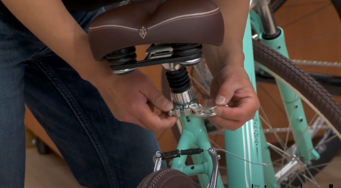 Lovering the seat of a bike